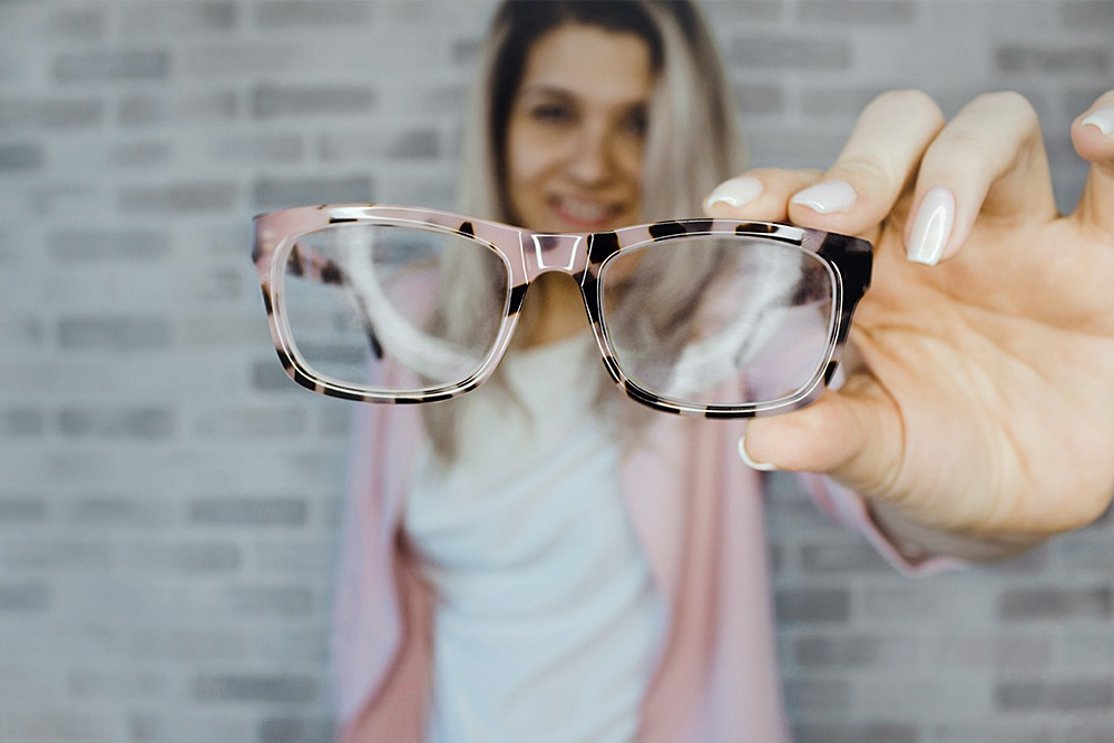 visiting eye doctor, prescription glasses, buying prescription glasses online, eye exams, eyerim collection, eyerim blog
