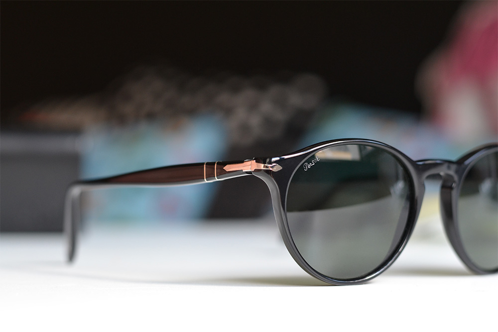 How to spot authentic Persol sunglasses - trademark
