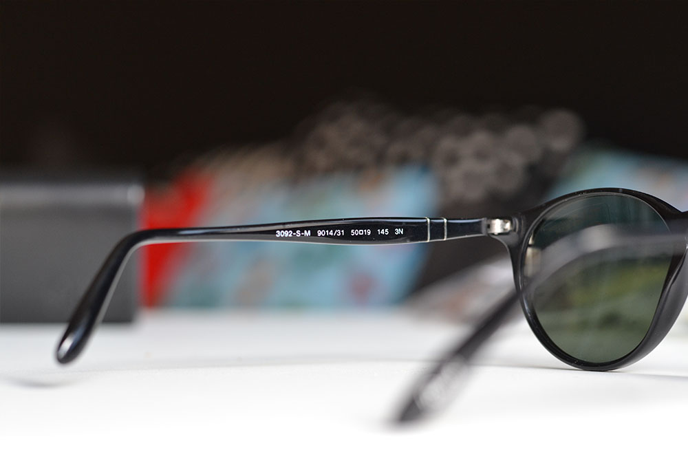 How to spot authentic Persol sunglasses - logo